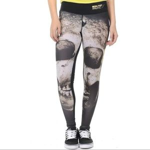 IRON FIST ATHLETIC LOOSE TOOTH LEGGINGS NWT SZ SM